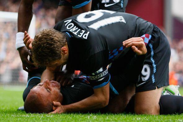 El Aston Villa le ganó al West Ham y los jugadores festejaron por largo...