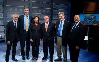 Un importante panel de funcionarios y expertos en educación parti...