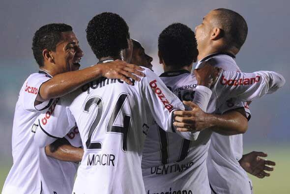 ¡A octavos! Corinthians logró su primer cometido, terminó el grupo 1 pri...