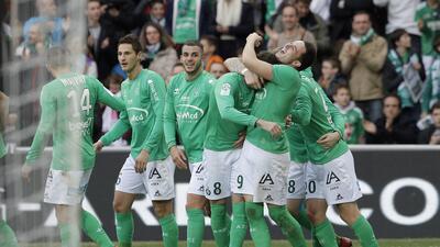 Saint-Etienne se acerca a puestos europeos al vencer al Rennes