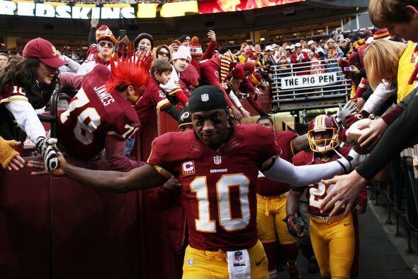 La entrada de los Redskins con la ventaja de jugar en casa.