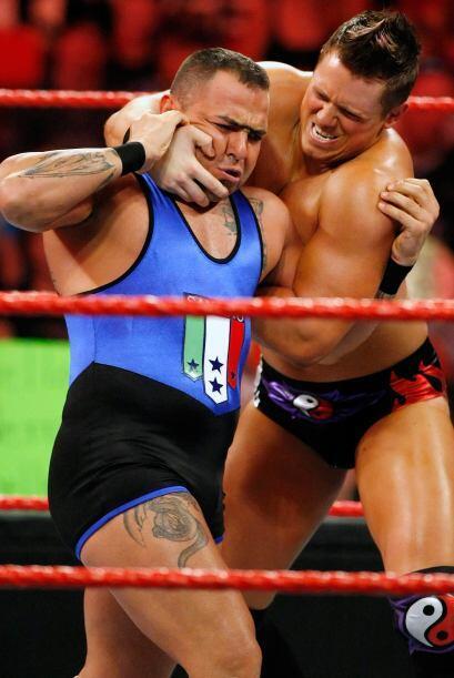 Santino Marella, también ha luchado con el personaje de su herman...