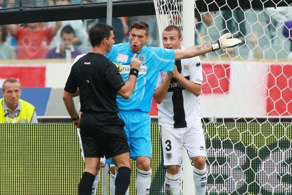 En la segunda mitad se marcó un penalti en contra de los visitantes, que...