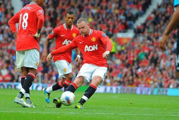 Rooney cobró de forma magistral un tiro libre en los linderos del...