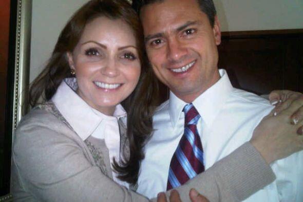 Actualmente Angélica está casada don Enrique Peña N...