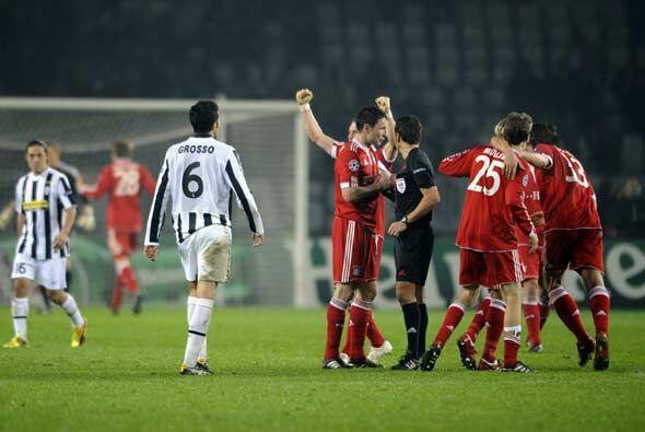 El Bayern de Múnich hizo tres más en Turín y sorprendeió con la eliminac...