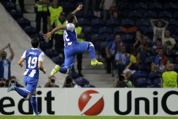 A pesar de ir perdieron por 1 a 0, Porto se recuperó y con goles de Hulk...