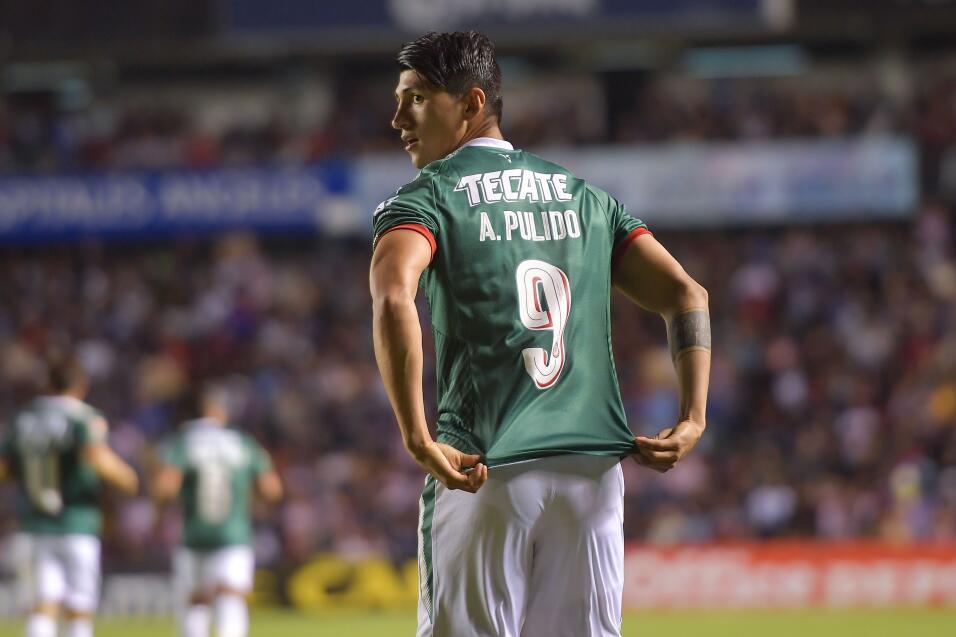 Después de 11 meses, Alan Pulido volvió a marcar un doblete 20180214-442...