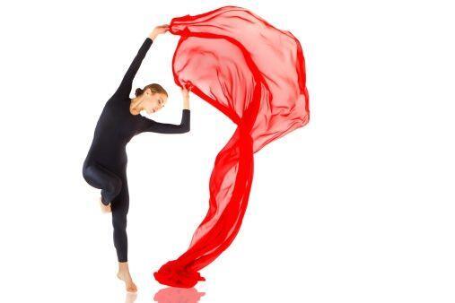 Las clases de danza aérea son súper 'chics', ya que no sólo trabajarás f...