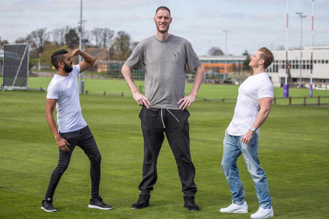 Paul Sturgess, el hombre más alto de Inglaterra