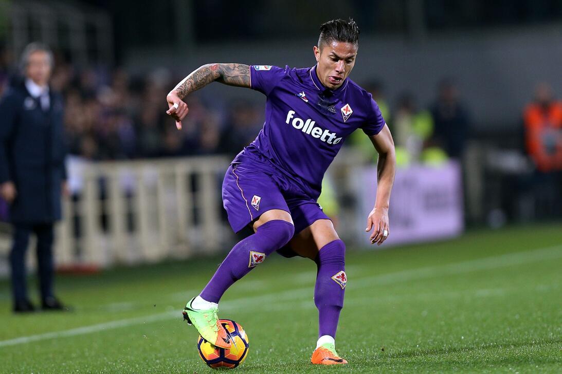 De Carlos Salcedo, quien termina su préstamo con la Fiorentina en unos d...
