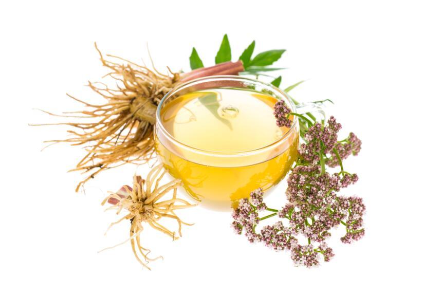 té hojas de valeriana