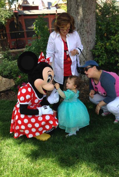 ¡Qué alegría poder tocar a Minnie!