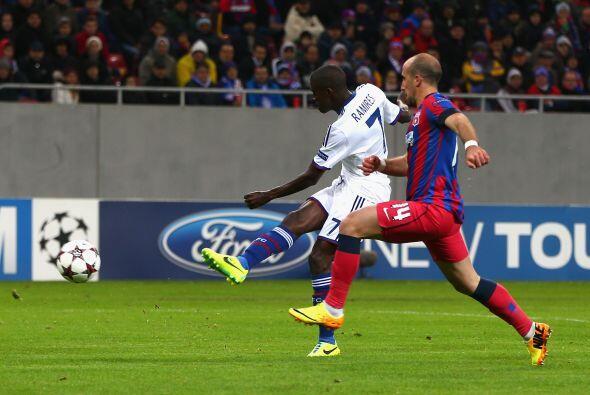 Ramires estaba en su día y al minuto 55 marcó el segundo tanto de su cue...