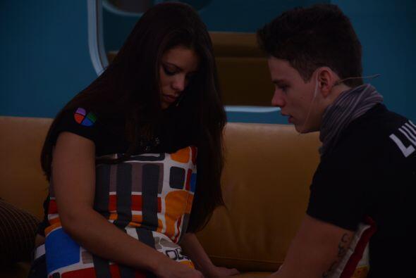 Marlin cree que Luis y ella no pudieron con la relación por vivir...