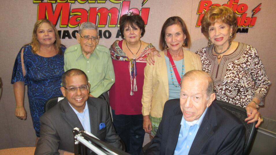 María Ruiz del departamento de ventas.  Felo Ramírez, Ninoska, Bernadett...