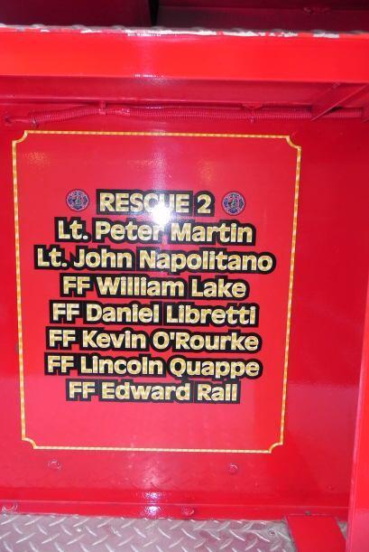 Carro bombero recuerda a sus caídos el 9/11 cef995033fea46bb921248d47610...