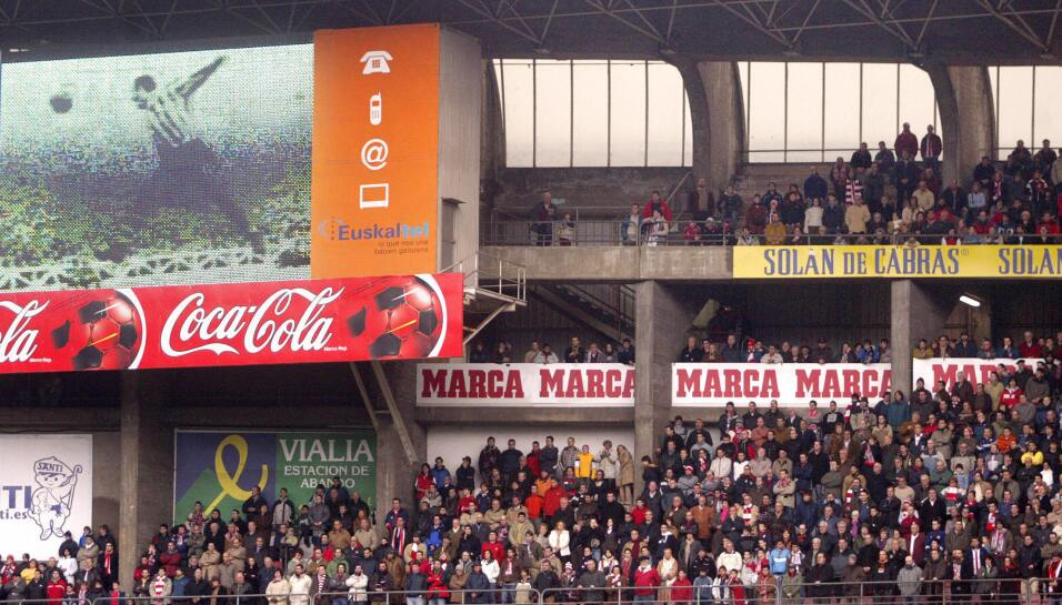 Barcelona estaría cerca de cerrar el fichaje de Paulinho  GettyImages-56...
