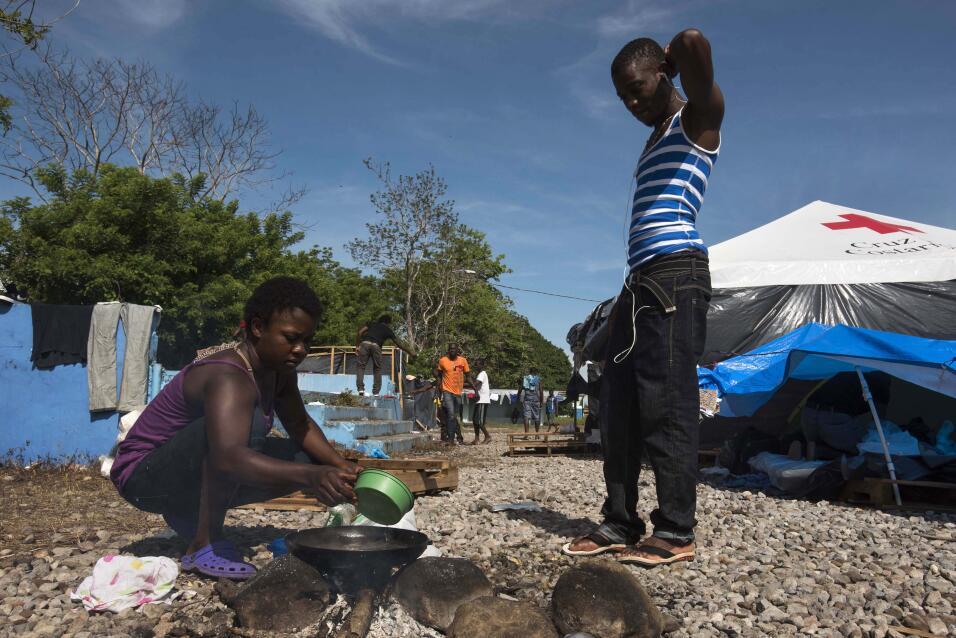 Las autoridades costarricenses han habilitado varios campamentos como es...