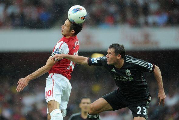El partido estaba trabado hasta que en la segunda etapa ingresó el urugu...
