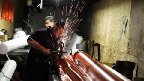 En la manufactura, el empleo bajó en mil puestos, y es un sector...
