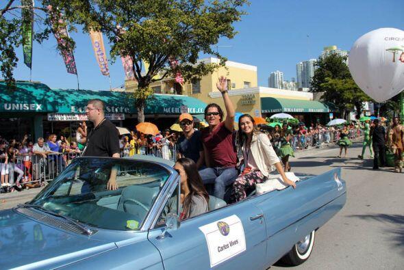 Carlos Vives fue el invitado especial de La Parada de Los Reyes Magos 2013!