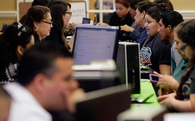 Cómo Obamacare ha beneficiado a los hispanos