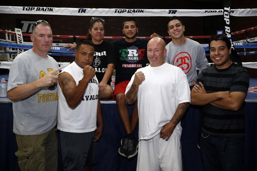 Oscar Valdez, Chria Avalos, Aaron Prior y Jesse Hart enseñaron sus armas...