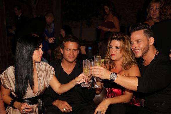 La Machado brindó con Scarlet y todas sus amistades. Mira aquí los video...
