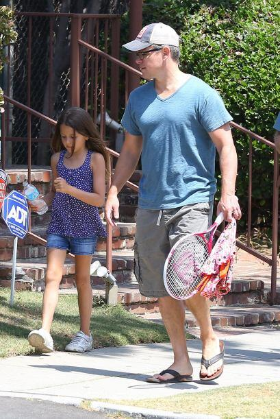 Matt Damon es un padre amoroso y orgulloso de su bonita familia de chicas.