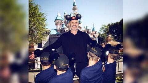 """Miguel Bosé aceptó visitar """"el reino mágico de..."""