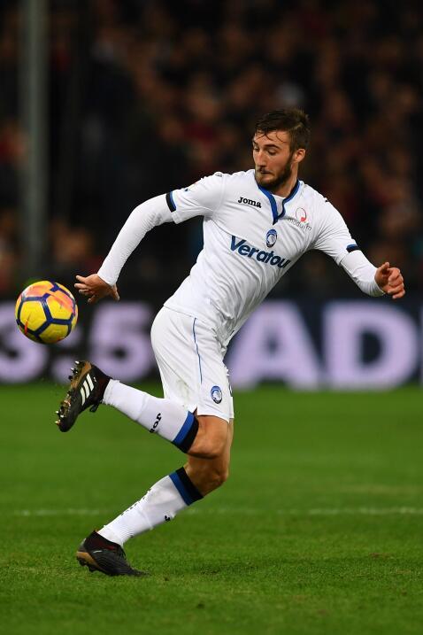 El United también piensa en un joven italiano para reforzar su pl...
