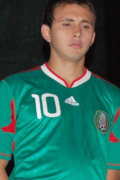 Omar Arellano eligió usar el númeo 10 en la nueva piel mex...