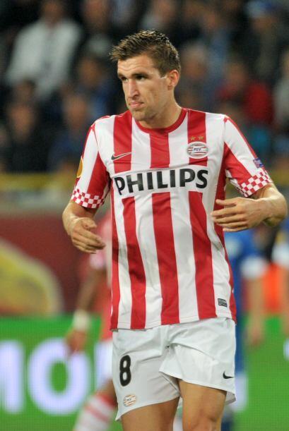 Strootman hizo dos goles para la victoria del PSV por 3-1 y demostró que...