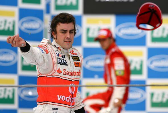 Alonso tenia todo para ganar con el título a pesar de la presión de la M...
