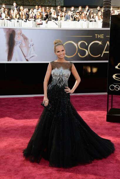 Pese a ser una mujer tan pequeña, Kristin Chenoweth brilló como las gran...