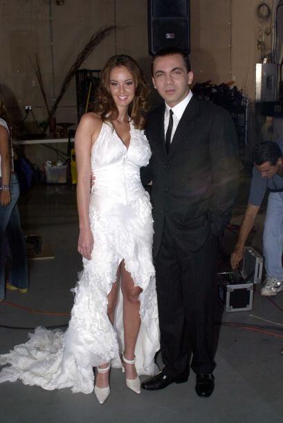En el videoclip Gaby volvió a usar su vestido de novia.