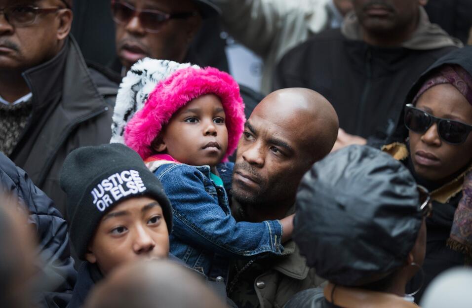 Continúan las protestas en Chicago por el manejo del caso de Laquan McDo...