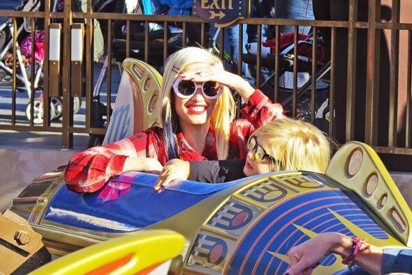 Gwen es una de las mamitas famosas que adora consentir a sus tres pequeños.