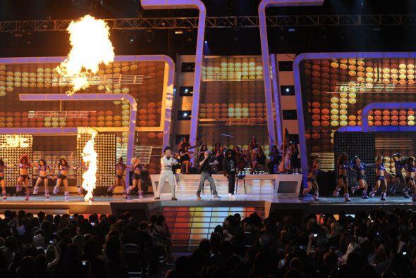 Wisin y Yandel prendieron el escenario con la canción 'Algo Me Gusta de...