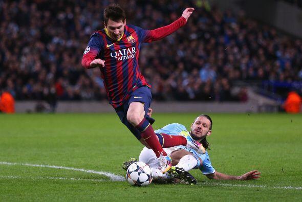 El partido cambió con esta jugada. Messi se escapaba y De Michelis le hi...