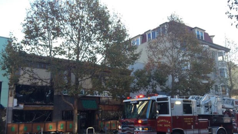 Incendio en el restaurante Mandarin Garden ubicado en el 2025 de la aven...