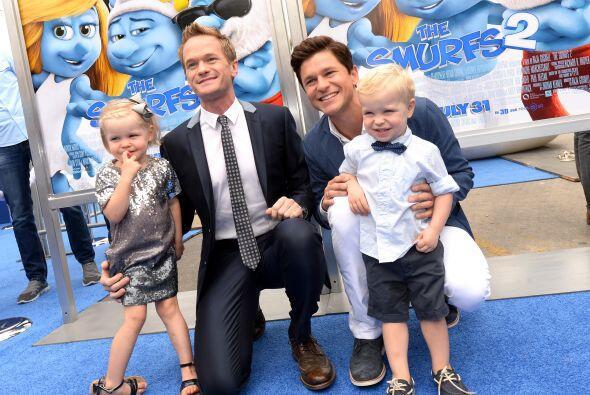"""Ahora en el estreno de """"The Smurfs 2"""". Mira aquí los vi..."""