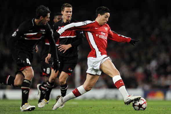 En 2007 Héctor Moreno le hizo compañía a Salcido al firmar con el AZ Alk...