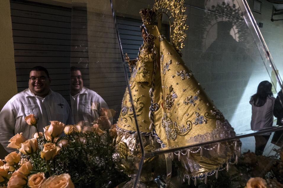 """""""Cachita"""", como es conocida popularmente la imagen que se venera en un s..."""