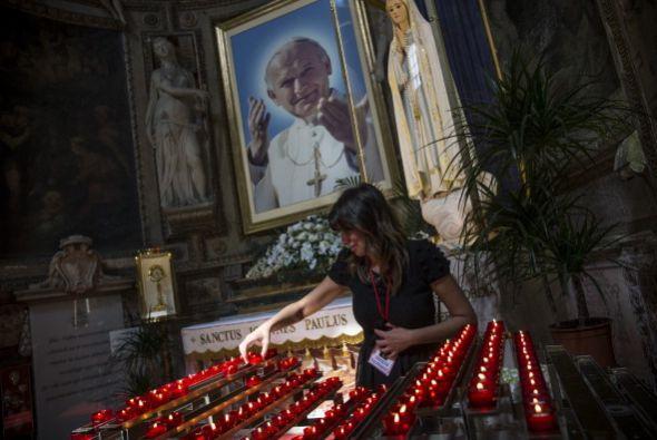 El portavoz de la Santa Sede, Federico Lombardi, anunció la asistencia d...