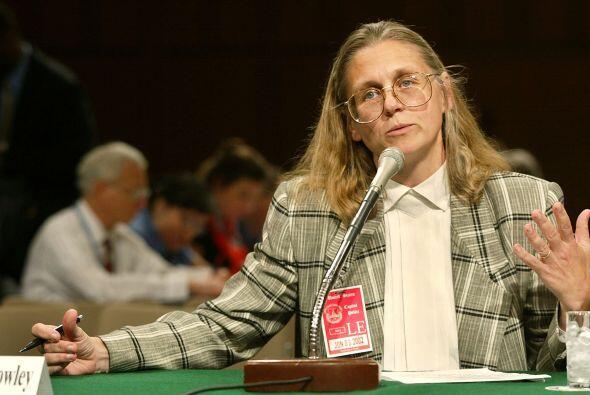 COLEEN ROWLEY.  Siendo agente del FBI, en 2002 alegó que dicha instituci...
