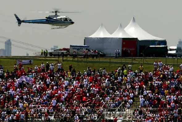 Los VIPs y los pilotos llegaron al Circuito de Interlagos transportados...