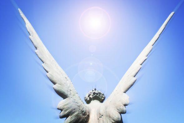 Los ángeles son tus amigos y están esperando que tú...