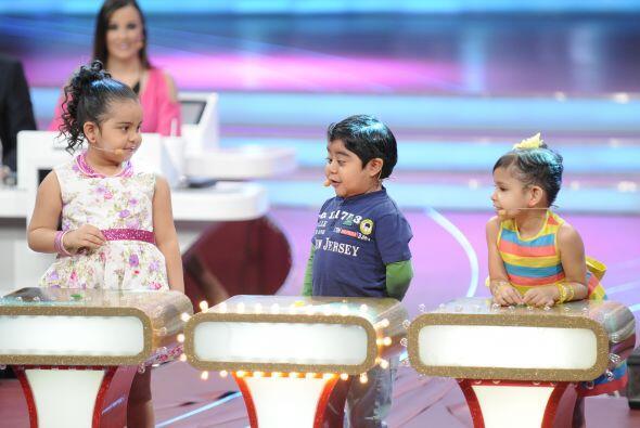 Los niños estaban muy emocionados pues todos querían ganarse puntos extr...